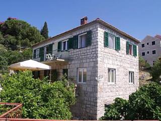 00701SPLI A1(4+2) - Splitska - Splitska vacation rentals