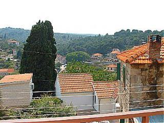 00901SPLI A2(2+1) - Splitska - Splitska vacation rentals