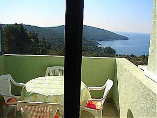 01602MASL A4(4) - Maslinica - Cove Donja Krusica (Donje selo) vacation rentals