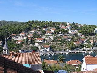 02101SPLI SA2(2+1) - Splitska - Splitska vacation rentals