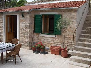 0103VRBO S1(2+2) - Vrboska - Vrboska vacation rentals