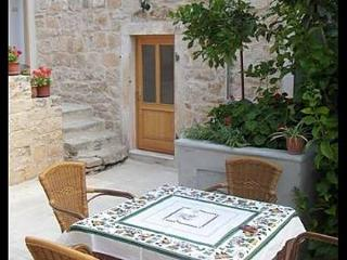 0103VRBO A2(2+2) - Vrboska - Vrboska vacation rentals