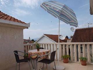 001SUTI  A6(2) - Sutivan - Sutivan vacation rentals