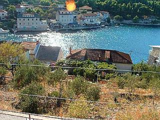 02702STOM  H1(5+2) - Stomorska - Necujam vacation rentals
