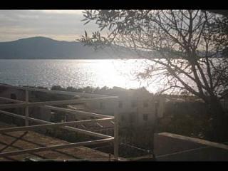 35031  A2(2+2) - Sveti Petar - Sveti Filip i Jakov vacation rentals