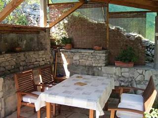 35078 SA2(2) - Cove Piskera (Necujam) - Rogac vacation rentals