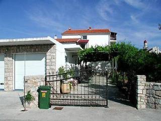 35179 A2(2+1) - Betina - Betina vacation rentals