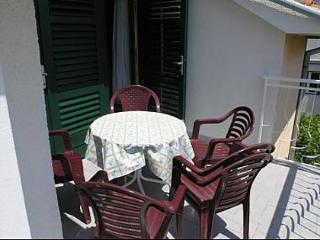 35186  A2 (6+2) - Vodice - Vodice vacation rentals