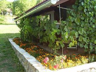 35243 H(4+2) - Gacka dolina - Zaluznica vacation rentals