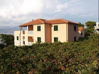 35328  A13(4+2) - Postira - Postira vacation rentals