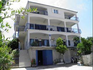 35358  A1 Mediteraneo (8+2) - Okrug Gornji - Okrug Gornji vacation rentals
