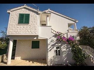 35537 A1(2+2) - Zdrelac - Island Pasman vacation rentals