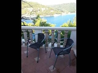 35627 A1(4+1) - Pucisca - Pucisca vacation rentals