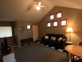 Small home away from home - Fayetteville vacation rentals