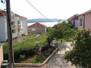 2217 H(2+2) - Okrug Gornji - Island Ciovo vacation rentals