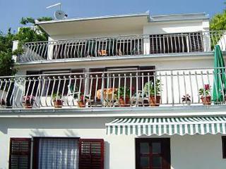 2229  A2 Mali donji (2+1) - Okrug Gornji - Okrug Gornji vacation rentals