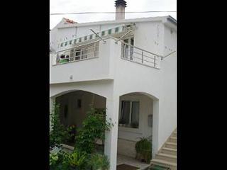 02204VIS  A2 Plavi(2+2) - Vis - Vis vacation rentals