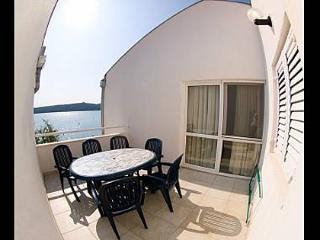 2442 A8 (6+2) - Pirovac - Pirovac vacation rentals