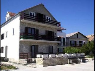 2519  A2(2+1) - Betina - Betina vacation rentals
