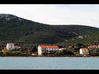 2657 A9(4+1) - Mrljane - Island Pasman vacation rentals