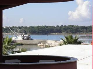 2710 A12(2+2) - Vir - Vir vacation rentals