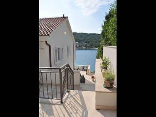 4364 A3-Bez(2+2) - Stomorska - Solta vacation rentals
