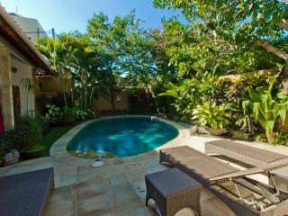 2 villa, 4 bedrooms 800m beach - Sanur vacation rentals