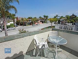 3 Bedroom Beach Condo Located on Peninsula Point! (68297) - Newport Beach vacation rentals