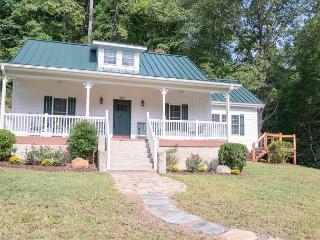 Jarrett Creek Cottage - Lake Lure vacation rentals