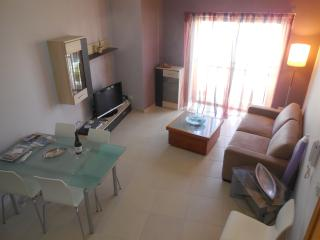 FABULOUS COMFORTABLE APARTMENT CLOSE TO EVERYTHING - Swieqi vacation rentals