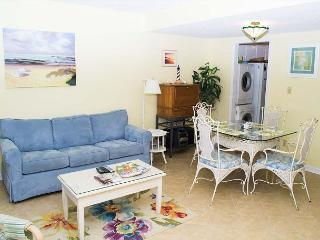 Oceanfront townhouse style condo - Pine Knoll Shores vacation rentals