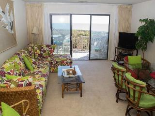 Multi-Level Oceanfront Condo gives everyone a chance to spread out! - Pine Knoll Shores vacation rentals