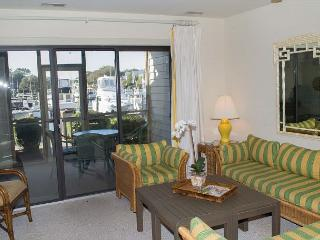 Comfortable Soundside Condo with Screened Porch! - Pine Knoll Shores vacation rentals