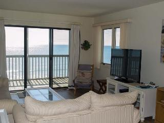 Enjoy great views from this Oceanfront Condo! Wonderful Amenities! - Pine Knoll Shores vacation rentals
