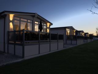 Riverside Shakespeare Lodge - Tiddington vacation rentals
