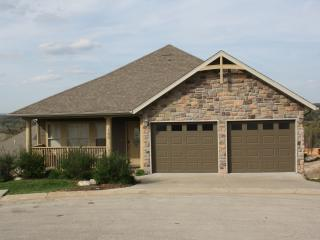 Pinnacle Place-in Branson Creek!! - Hollister vacation rentals