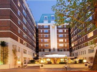 Kensington Superior Studio - Ideal for Families - London vacation rentals