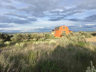 Sagebrush Shanty Camping Cabin - Coulee City vacation rentals