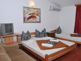 Mostar Inn - Triple Room 1 - Mostar vacation rentals