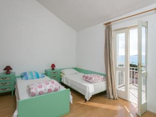 Nature Therapy Rooms - Triple room with balcony and sea view - Mlini vacation rentals