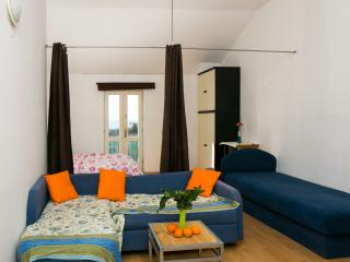 Nature Therapy Rooms - Comfort triple room with balcony and sea view - Mlini vacation rentals