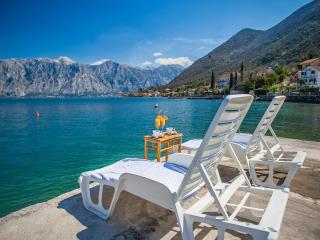 Apartments Daria - One-bedroom apartment with Balcony and Sea View 2 - Perast vacation rentals