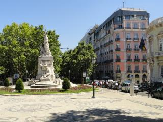 2 Bed Luxury Apt in the Heart of Downtown Lisbon, - Colombo vacation rentals