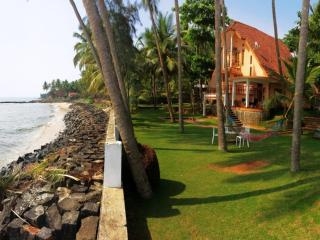 THE JACKFRUIT TREE AT BEACH, Kozhikode, Elathur - Kozhikode vacation rentals