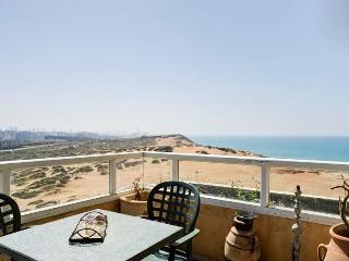 Sea and Sun 9th Floor South Tower Morrocan apt - Tel Aviv vacation rentals