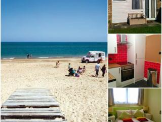 Luxury Chalet Belle Aire Hemsby.Recently Renovated - Hemsby vacation rentals
