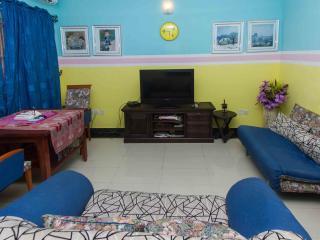Cosy 24/7-serviced designer flat - Lagos vacation rentals