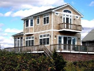 Oceanfront Beachhouse--Stunning Views--WiFi - South Kingstown vacation rentals