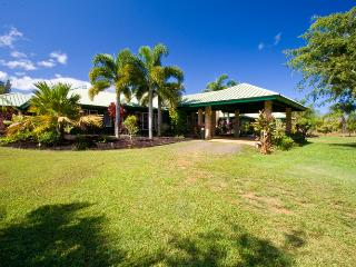 Gated 5 Acre Estate with Pool & 50 foot waterslide - Kilauea vacation rentals