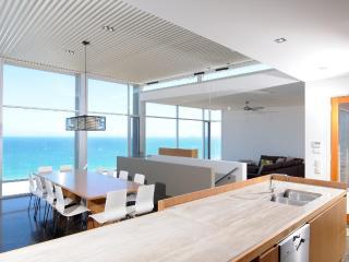 PORT ELLIOT BEACH HOUSE - Contemporary Hotels - Port Elliot vacation rentals